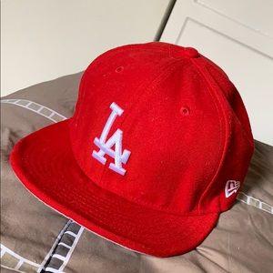 A red LA hat